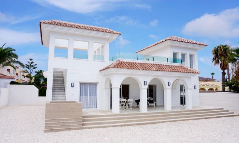 Mediterrane stijl nieuwbouw villa in Doña Pepa in Nieuwbouw Costa Blanca